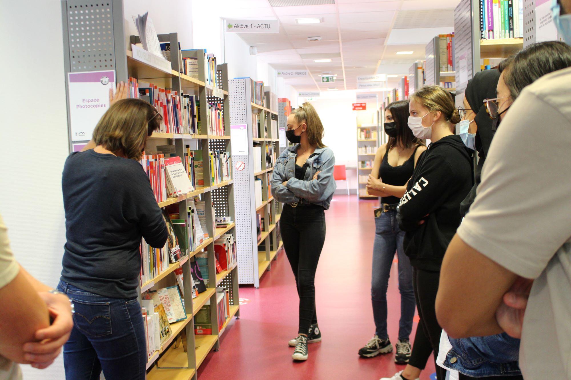 Présentation de la Bibliothèque aux étudiants